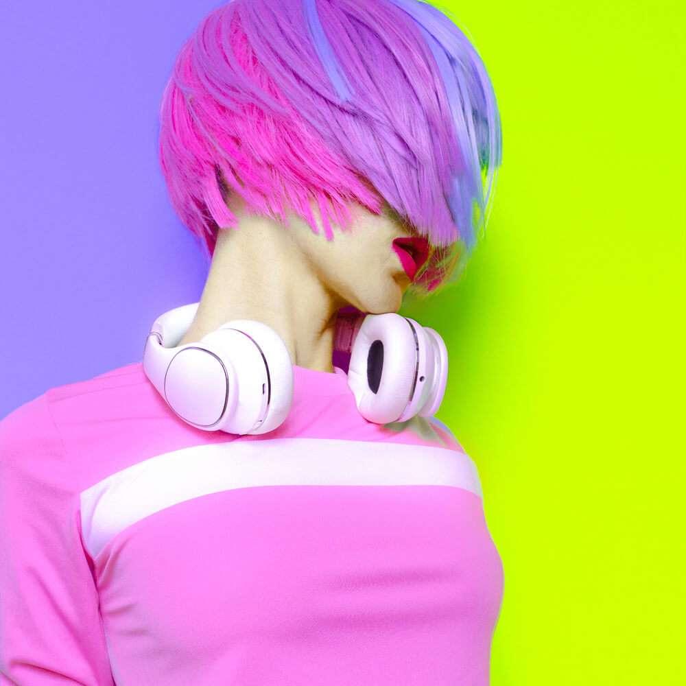 אוזניות, שיער צבוע, קניות לבית הספר